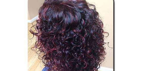 Simple Curly Hairstyles for Summer From Cincinnati's Dry Hair Cutting Experts, Montgomery, Ohio