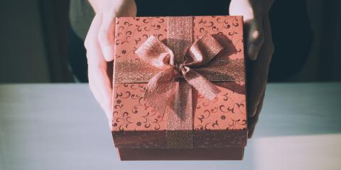 3 Reasons to Give Custom Gifts , Minneapolis, Minnesota