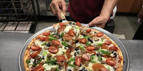 5 Reasons Why Pizza Is the Best Food for Your Holiday Party, Honolulu, Hawaii