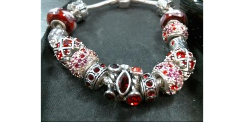 925 Sterling SIlver Chamilia Red & Pink 12 Charm Pandora Style Bracelet, Tampa, Florida