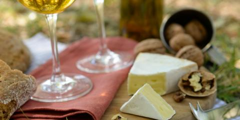 Local Bakery Shares a Brief Guide to White Wine & Food Pairings, Nekoosa, Wisconsin