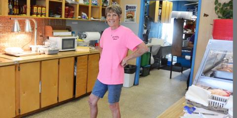 Patient Returns to Active Lifestyle After Total Knee Surgery, Gatesville, Texas