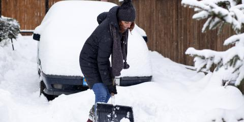 3 Tips to Avoid Back Pain When Shoveling Snow, Hay Creek, Minnesota