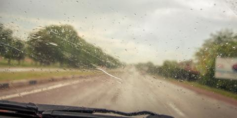 How Worn Windshield Wipers Result in Auto Glass Repair, Honolulu, Hawaii
