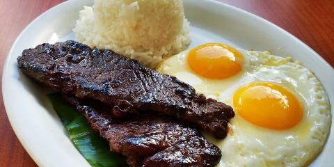 Tasty Meat-Lover Dishes at Honolulu's Best Brunch Spot , Honolulu, Hawaii