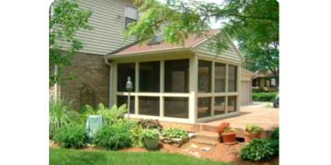 Comfortably Enjoy The Beauty of Spring & Summer With an Excellent Screened Porch, Loveland, Ohio