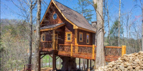 Interested in a Smoky Mountain Getaway? Visit the Gatlinburg Treehouse!, Gatlinburg, Tennessee