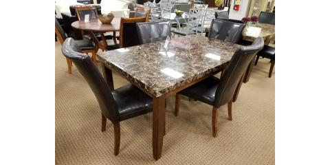 DINING TABLE AND 4 CHAIRS LACEY 225 St Louis Missouri