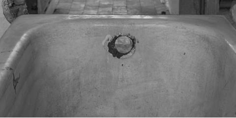 Waipahu's Reglazing Experts Explain Bathtub Refinishing, Ewa, Hawaii