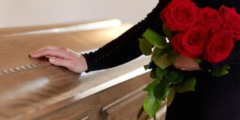 3 Etiquette Tips for Attending a Funeral, North Haven, Connecticut