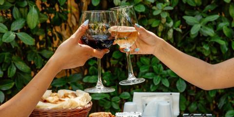 How Do Red & White Wines Compare?, Honolulu, Hawaii